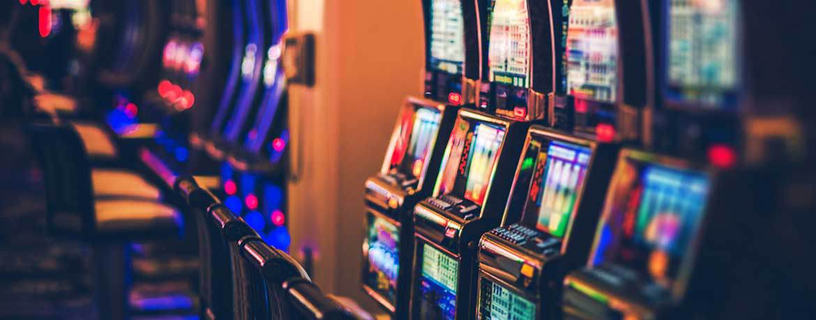 6 Real Tricks Casinos Use to Make You Gamble More - Slot Machines