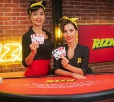 Rizk live casino blackjack dealers brunette
